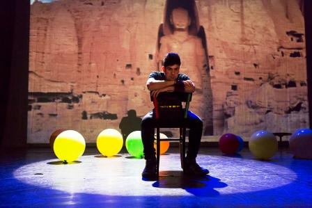 foto tratta della rappresentazione con Ramat Safi