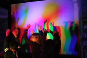 laboratorio con bambini del Festival della Scienza