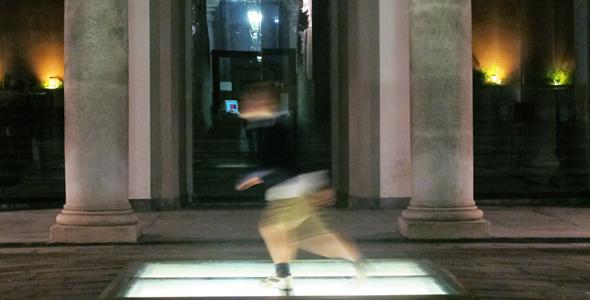 Suoni, voci e passi di danza in Strada Nuova