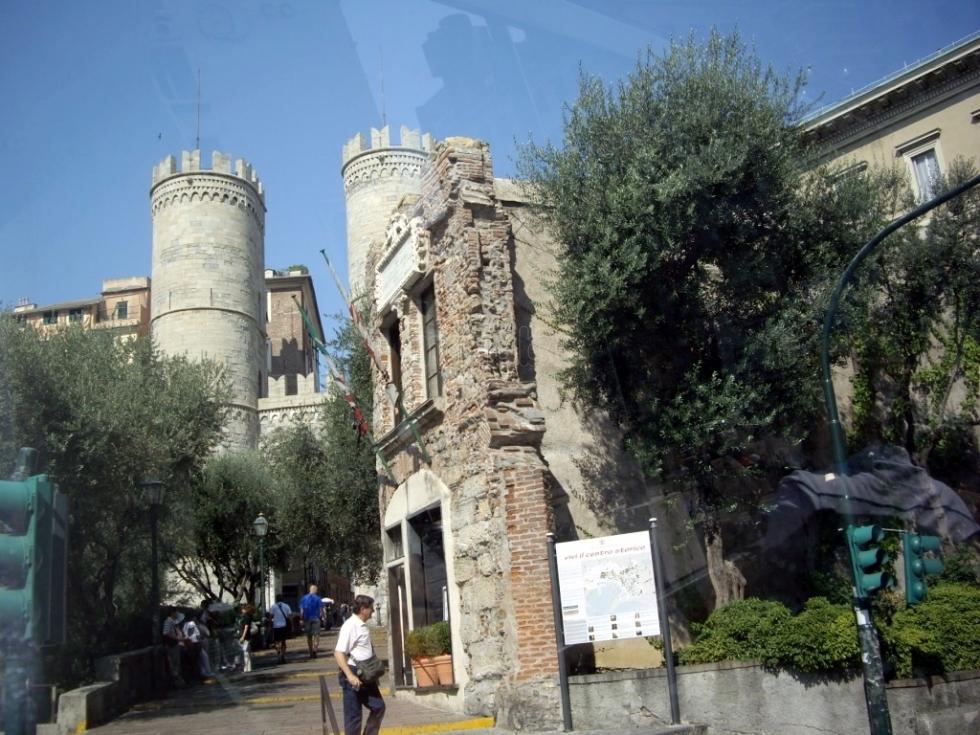 Casa di colombo e torri di s andrea musei di genova for Casa immagini