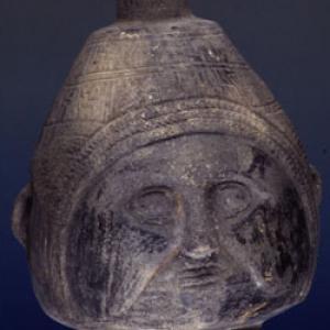 Anfora cefalomorfa, XV-XVI sec. d.C. (Chimù-Inca)