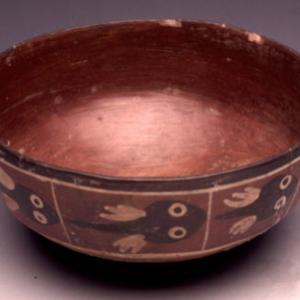 Ciotola carenata con razze dipinte,  300 a.C. – 0 (Nasca 2/3/4)