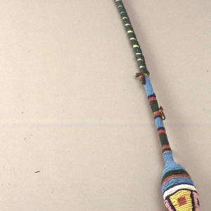 Mazza cerimoniale usata nelle danze,   1880 – 1885 circa (Dakota dell'Est)