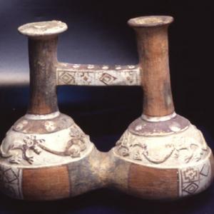 Vaso con ansa a ponte a due camere, XV-XVI sec. d.C. (Chimù-Inca)