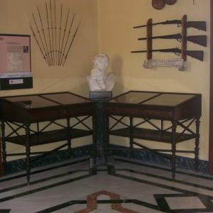 Busto e panoplia di Luigi Maria d'Albertis