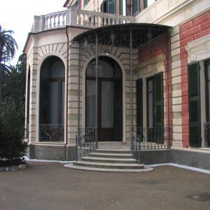 Villa Saluzzo Serra, GAM, il bovindo nel prospetto meridionale
